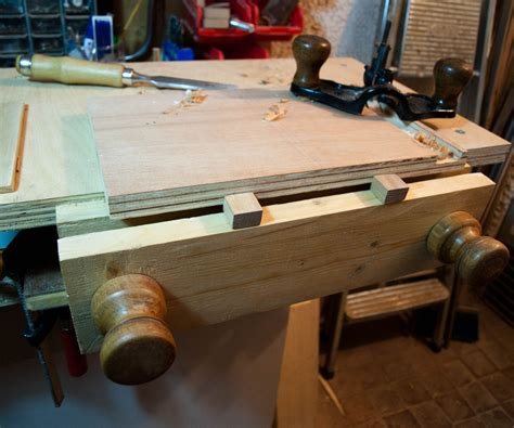how to make a bench vice tabletop bench and moxon vice 11