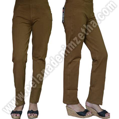 Celana Cowok Warna Coklat celana zetha katun warna coklat muda celana denim zetha