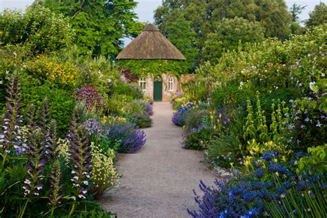 Dean Gardens by Perennial Funds New Horticultural Traineeship At West Dean