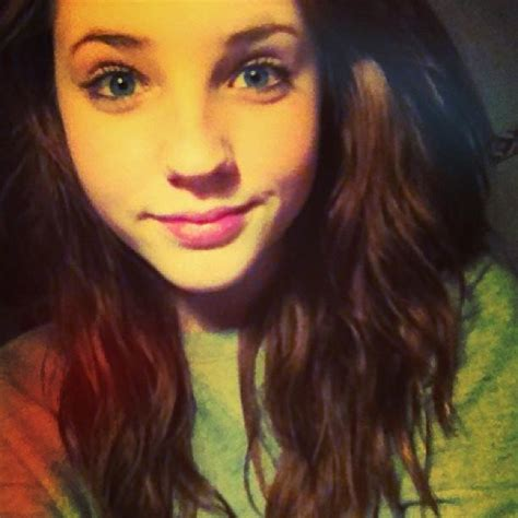 beautiful blue eyes brunette girl selfie difference between a hot and a cute girl girlsaskguys