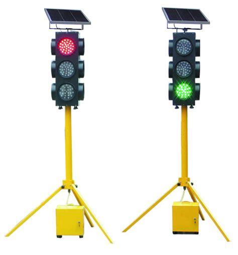 China Solar Led Traffic Light Hnst Pf34 China Solar Solar Power Traffic Lights