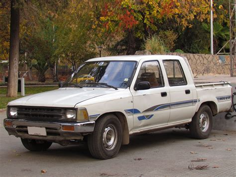 Toyota 2 1992 Model File Toyota Hilux 1 8 1992 15033354909 Jpg Wikimedia