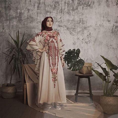 Dress Fenita fenita arie kini mantap berhijrah dan berbusana tertutup