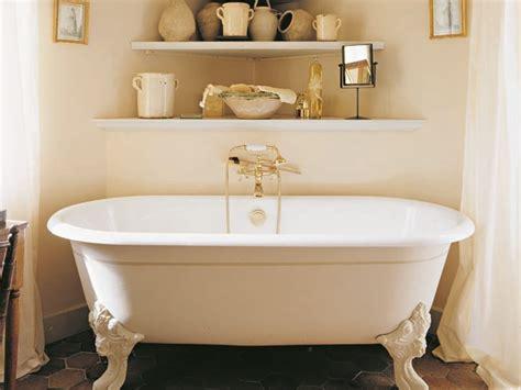 vasca da bagno con i piedi vasca da bagno in ghisa su piedi cleo gentry home