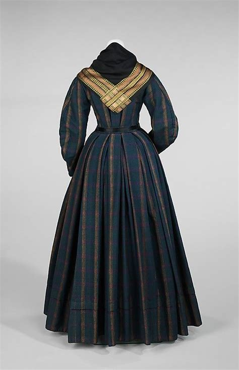 Daniah Dress 168 best ideas about mid 1800s on day dresses