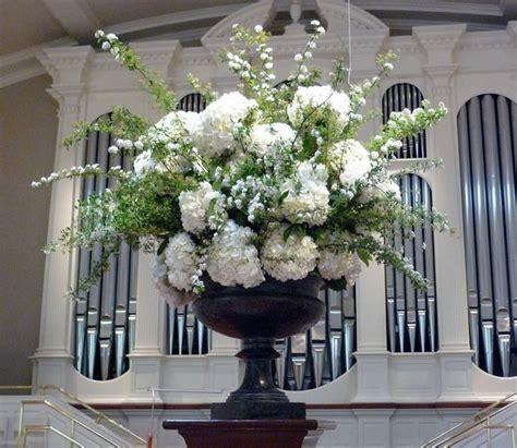 composizioni fiori matrimonio chiesa addobbi floreali chiesa composizione fiori