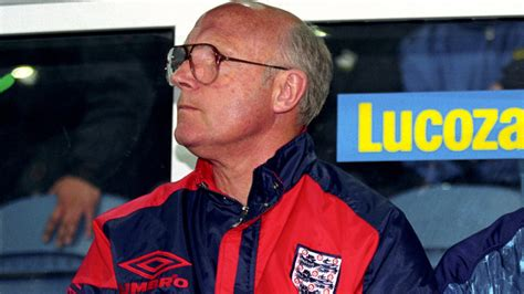 arsenal coach arsenal west brom and england great don howe dies at 80