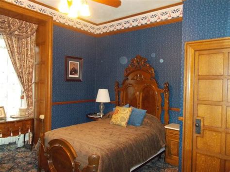Glen Eyrie Castle Rooms by Palmer Room 201