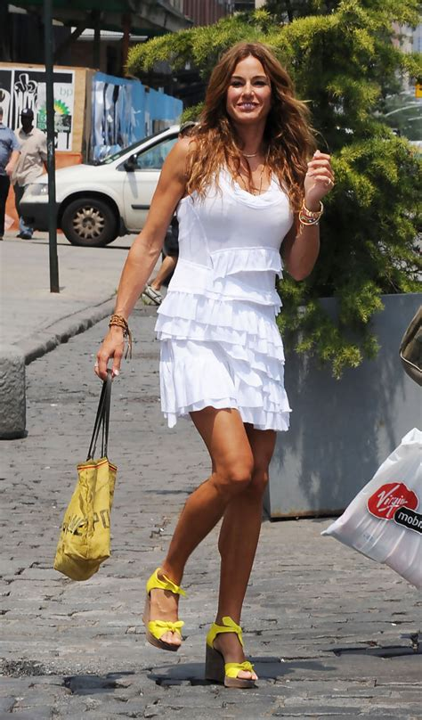 kelly real housewives of new york kelly bensimon hails a cab zimbio