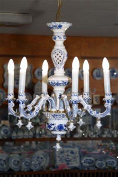 porzellan kronleuchter zwiebelmuster kronleuchter original bohemia porzellan aus