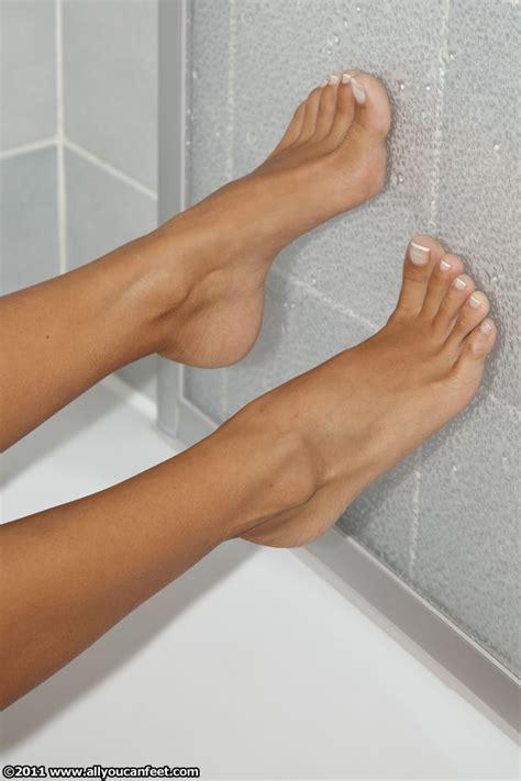 gold snowflakes pretty hands pretty feet pinterest beautiful feet lina by ves85 deviantart com on deviantart