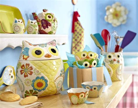Owl Kitchen Canisters by 25 Unique Owl Kitchen Decor Ideas On Pinterest Owl