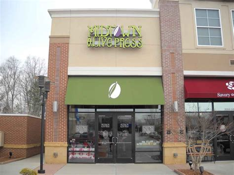 sign and awning awning signs by toucan signs rockville richmond glen