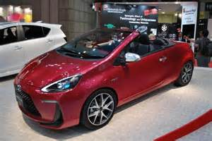 Toyota Hybrid Convertible Report Toyota Prius Convertible Spotted In Japan Tg Daily