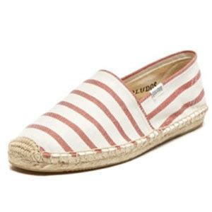 cute and comfortable shoes 11 cute and comfortable summer shoes grandparents com