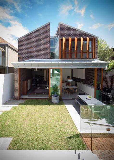 Interior Design For Split Level Homes by Dise 241 O De Casa Moderna De Dos Pisos En Terreno Largo