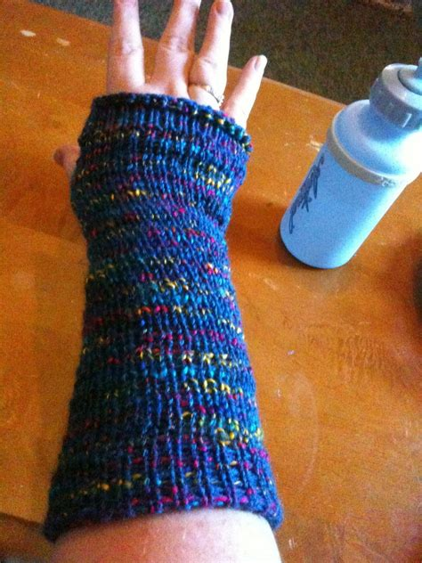loom knitting fingerless gloves loom knit fingerless gloves by almightyraz on deviantart