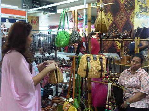 Produk Ukm Bumn Bolen Bandung dekranasda dki tempatkan produk ukm di mal bisnis