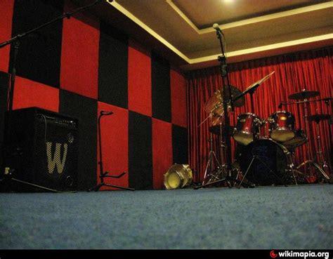 Jam Bedroom by Boom Box House Rehearsal Studio Jam Room In Bangalore