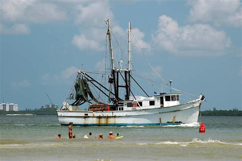 the shrimp boat shrimp boat free stock photo public domain pictures