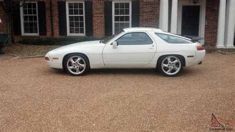 porsche 928 white 1987 porsche 928 s4 white with burgundy leather