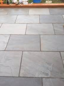 patio slabs 17 best ideas about patio slabs on paving
