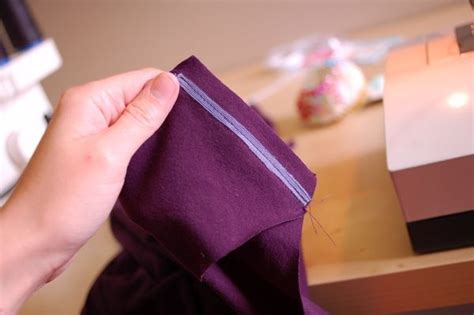 how to sew shoulder seams in knitting sewing stabilizing the shoulder seams of knit garments