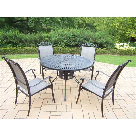 Hanover Traditions 5 Piece Patio Outdoor Dining Set with 4