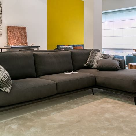 offerte divani ad angolo divano ad angolo ditr 232 italia modello kris scontato