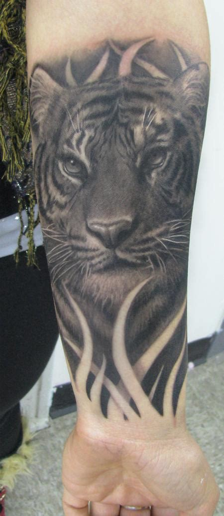 tattoo black and grey animal realistic black and gray tiger by steve wimmer tattoonow