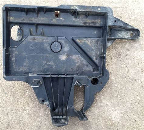 1999 jeep grand battery 1999 2004 jeep grand battery tray holder box