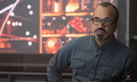 jeffrey wright plays hunger games mockingjay photos revealed ny daily news