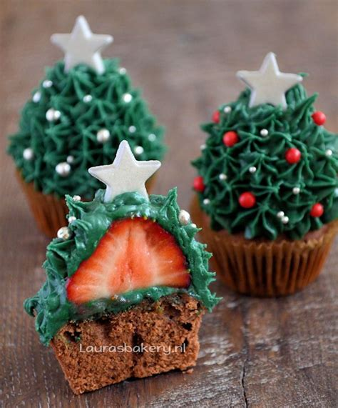 strawberry christmas tree cupcakes christmas pinterest