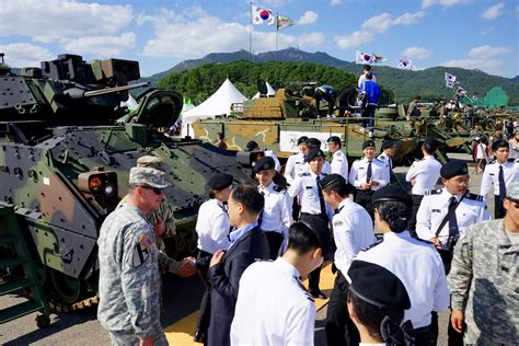 Rok 8th eighth army participates in 2015 rok ground forces festival gt u s pacific command gt 2015