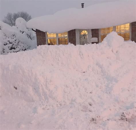 Erie Pa Records Photos Record Breaking 60 Inch Snowfall Blankets Erie Pennsylvania
