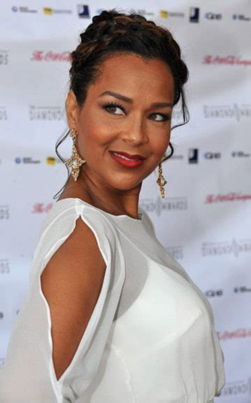 lisa raye hair customer reviews reviews lisa raye hair care lisa raye celebrities red carpet
