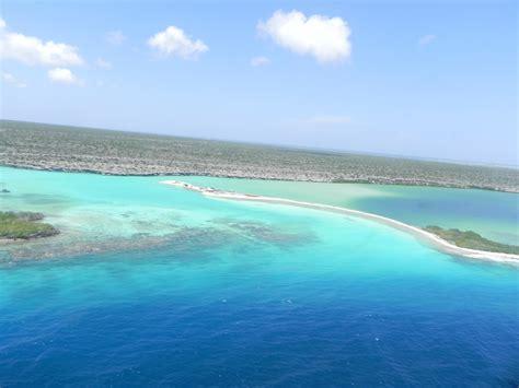 imagenes isla tortuga venezuela file playa en isla de la tortuga jpg wikimedia commons
