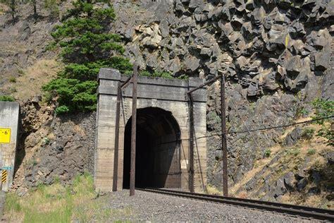 bridgehuntercom bnsf blum tunnel