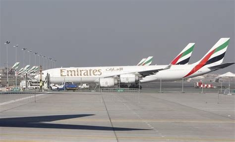 emirates a350 emirates airline eyes order for 50 70 a350 or 787 aircraft