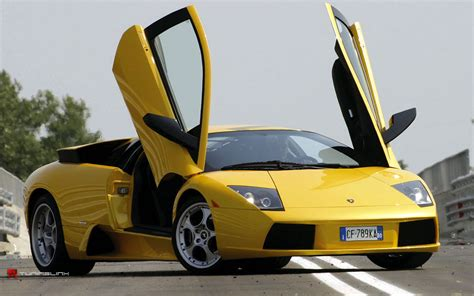 yellow lamborghini wallpaper yellow lamborghini wallpapers wallpapers gallery
