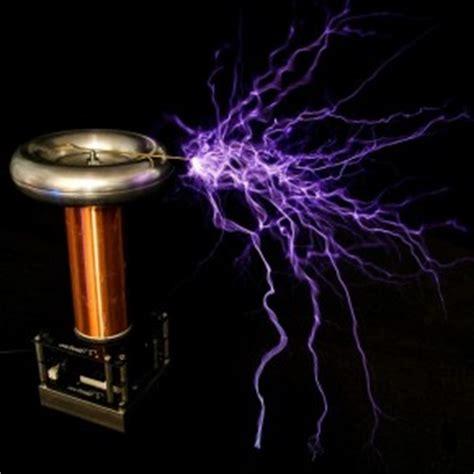 One Tesla Masanızda Tesla Bobini Ile M 252 Zik Dinlemek I 231 In Tiny Tesla
