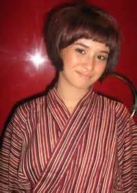 Sarimbit Gamis Batik Lenka Artis Memakai Batik Desember 2012