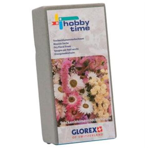 mousse seche pour canapé cr 233 ation florale un chapeau fleuri avec les fleurs du