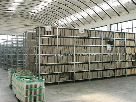 scaffali cantina scaffalatura leggera archivio struttura a ripiani cantina