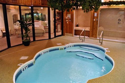 Hotels With In Room In Ohio by Ohio Coupons Sybaris Pool Suites