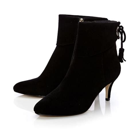 Kickers Low Suede Black moda in pelle latinna black suede low heel ankle boots