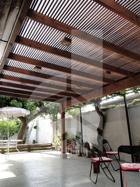 casas con cobertizos de madera cobertizos de fierro metal buscar con google casita