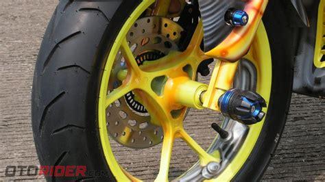 Jalu As Roda Carbon modifikasi yamaha aerox 155 vva 2017 praktis jadi bumble bee