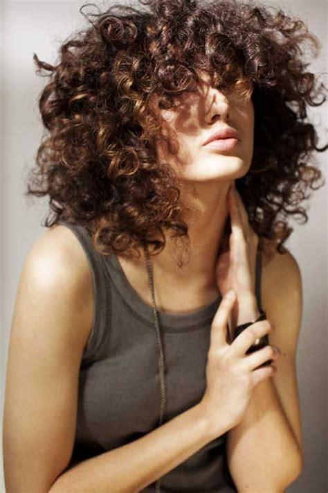 permed womens hairstyles 2014 pictures 17 melhores ideias sobre cachos ondulados soltos no