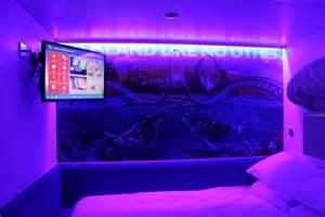 shark room thorpe park shark hotel thorpe park news